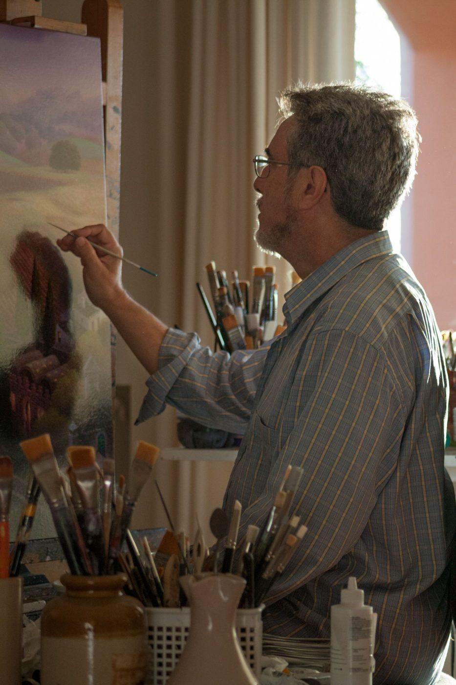 Luis Romero pintando